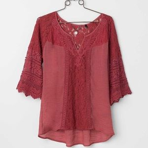 Women's Medium Blouse From The Buckle